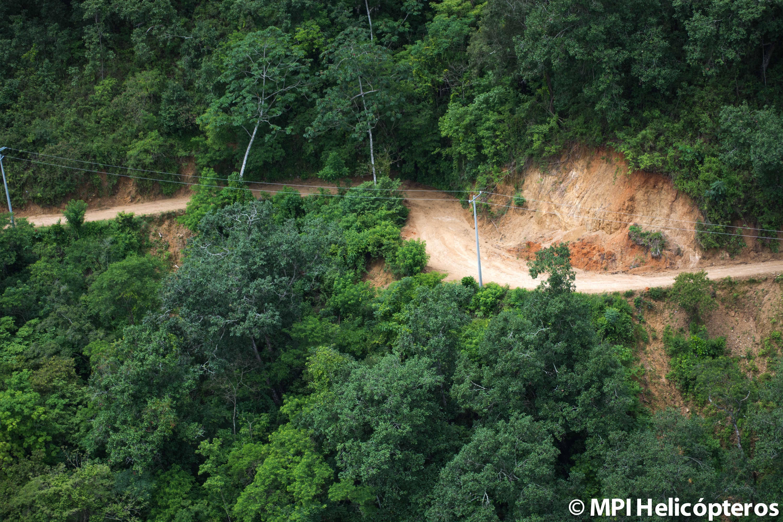 Fotografía aérea de construcción de caminos y puentes MPI Helicópteros
