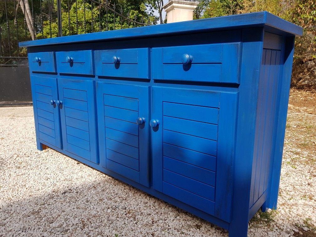 a vendre  meuble en pin tres bon etat repeint avec 2 tons de bleu