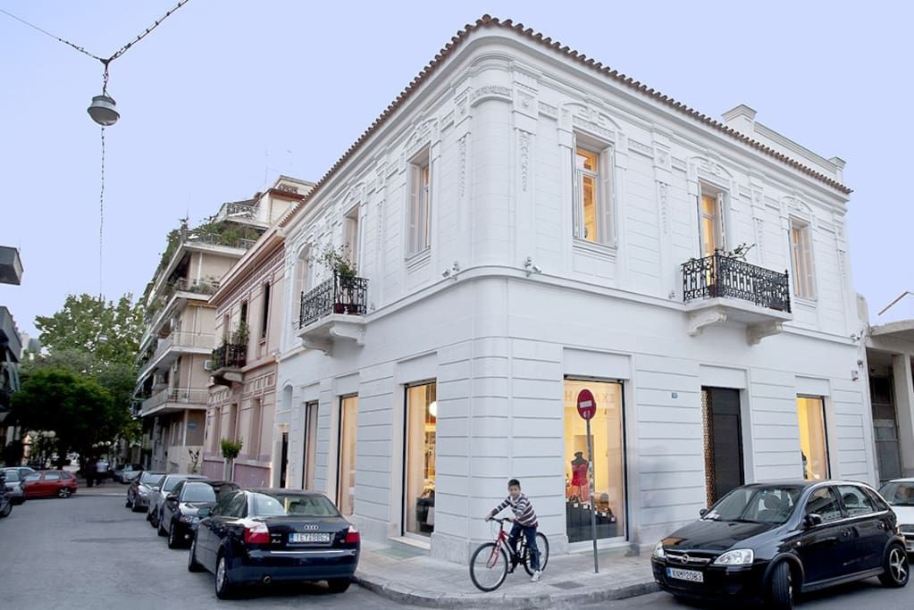 House in Athina, Greece. Colorful, romantic, fully renovated neoclassical penthouse in equally colorful, central neighborhood of Athens, Kerameikos. The Penthouse hosts up to 4 (+1 baby/toddler). It is endowed with stunning architectural details. It offers all guests free...