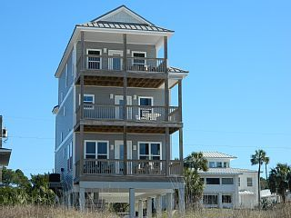 Grey Whale Beach Front 5 10 Pets Great Views Wifi Very Nicevacation Rental In Mexico Beach From Homeaway Vac Beachfront House Vacation Vacation Rental