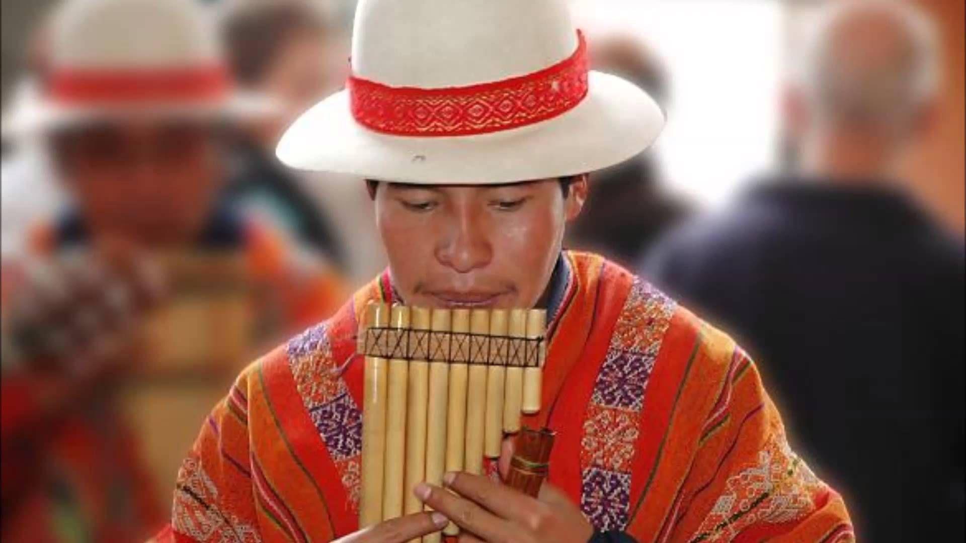 La música andina es el tipo de música en los Andes de sudamérica. El  charango es un instrumento es de Quechua. 86f6098a68d