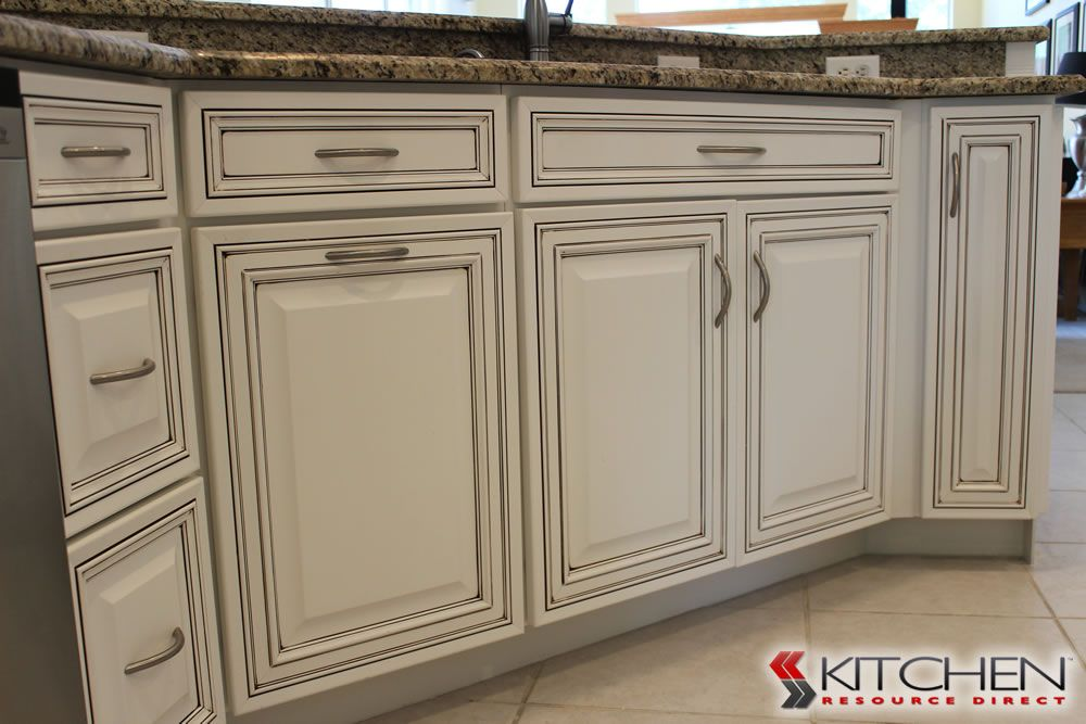 Best Bronson Photo Gallery Cabinets Com By Kitchen Resource 400 x 300