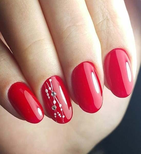 Simple But Perfect Red Nail Art 2018