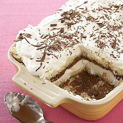 I think this delight would be the way to get to a man's heart!!    Twinkie Tiramisu ♥ Tiramisu
