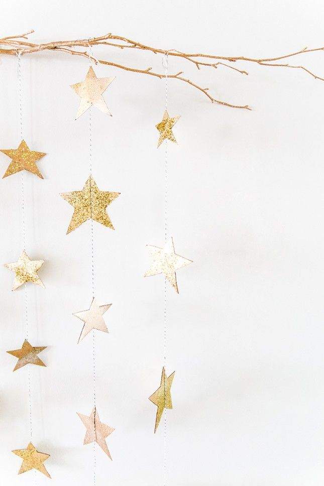 Deck Out Your Oscars Party With These Hanging Gold Stars