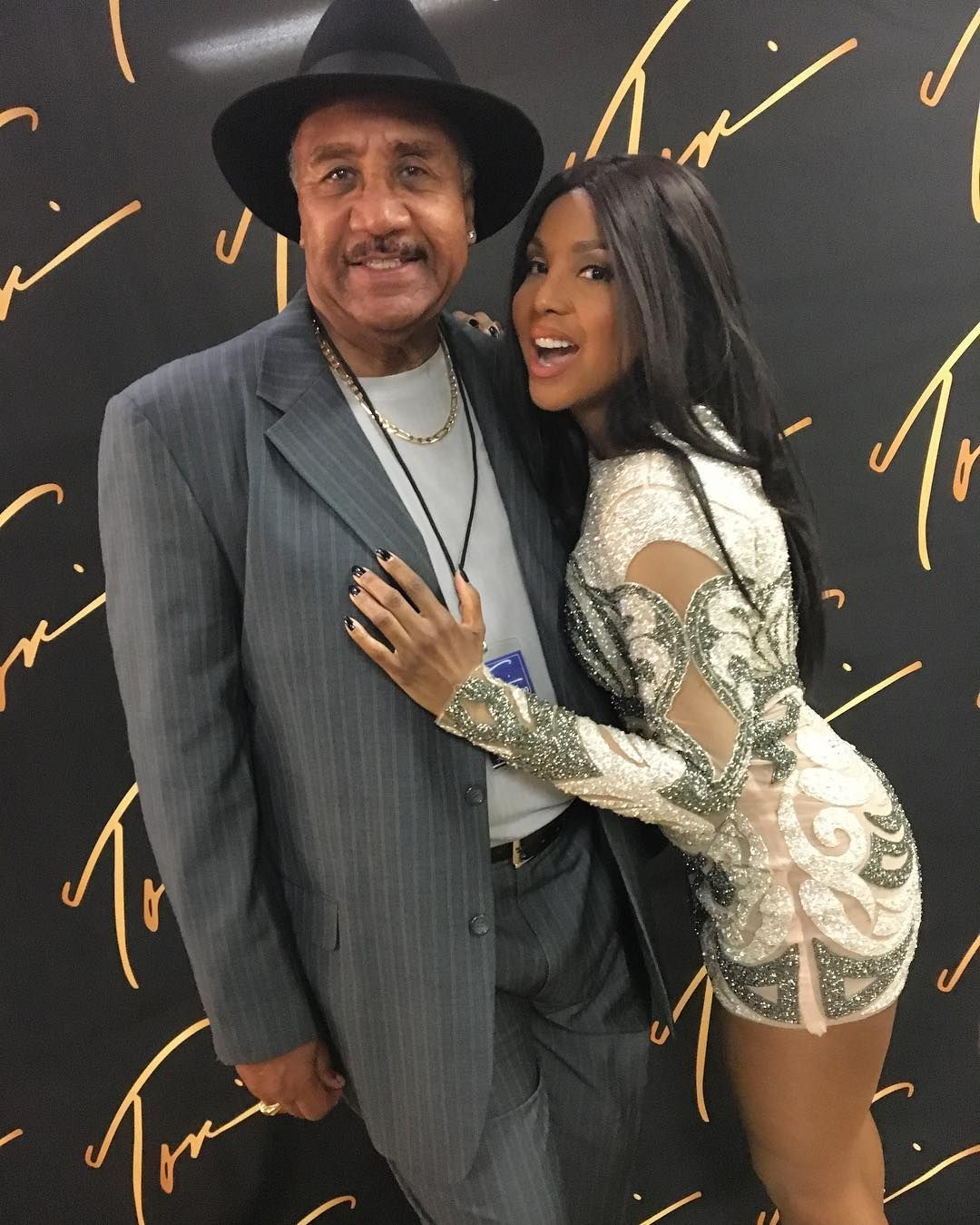 Toni Braxton - My dad came to see me last night in Atlantic City!!! #DaddysGirl ❤️