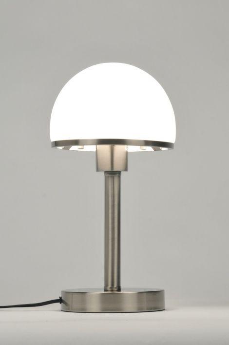 Artikel 87137 Tafellamp Met Touch Bediening Deze Lamp Is Van Staal En Heeft Een Kap Van Opaalglas In Een Mat Witte Kleur De Tafellamp Modern Retro Bureaulamp