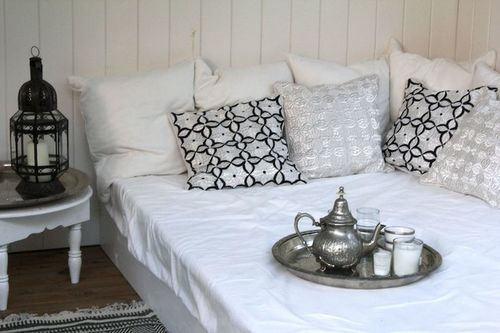 forgotwhoiwas:  Pin från Julia D på • Moroccan home style   Pinterest on We Heart It.