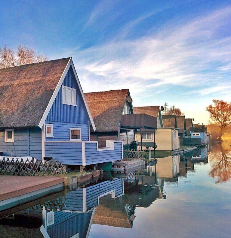 Kunstler Cottage Am Lagunensee Bei Rom Ostsee Urlaub Ferienwohnung Ferienhaus Am See Urlaub Reisen