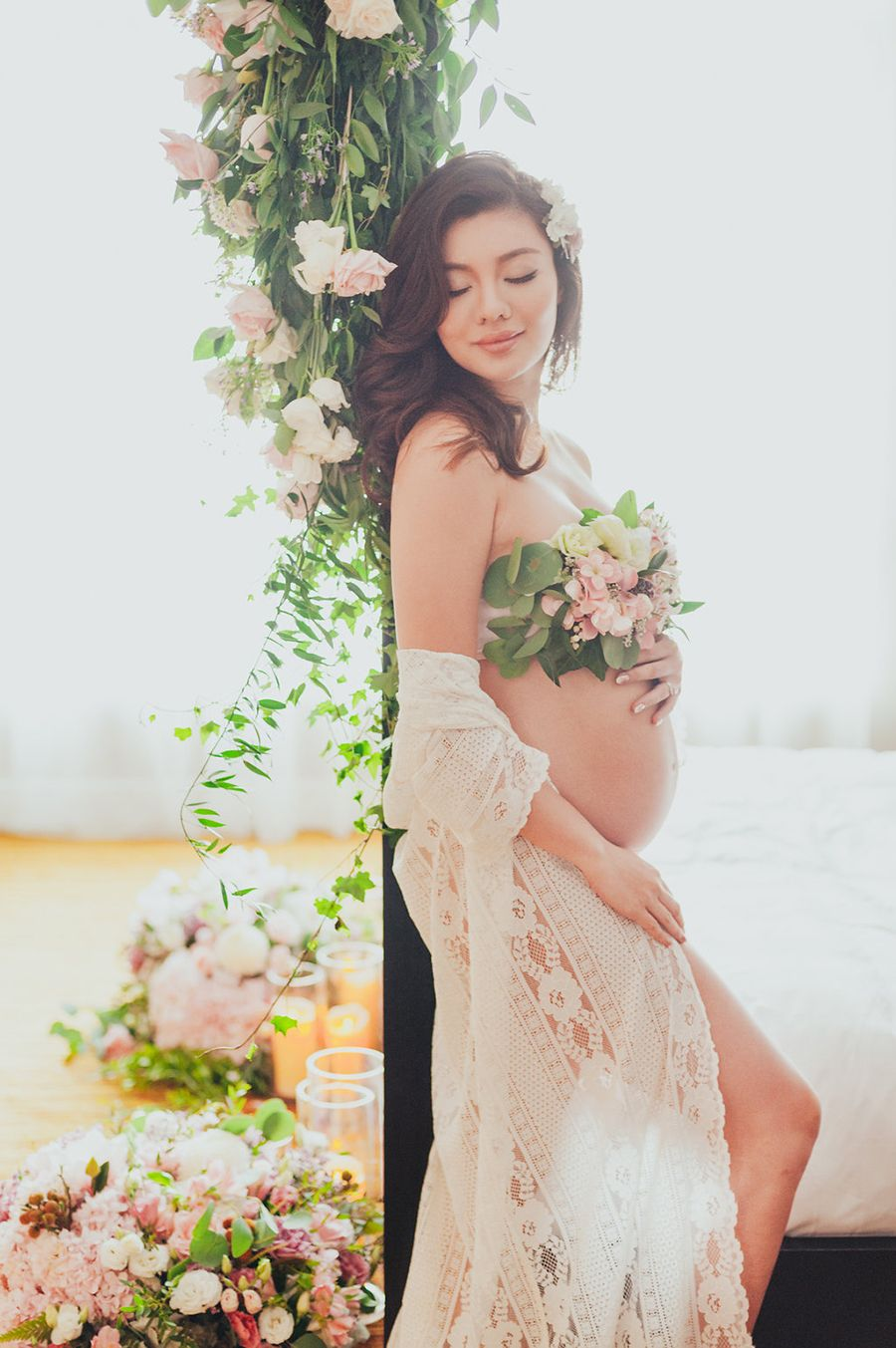 888cf6c030e Miss Universe Malaysia Carey Ng's Styled Maternity Photo Shoot in Dusty Rose