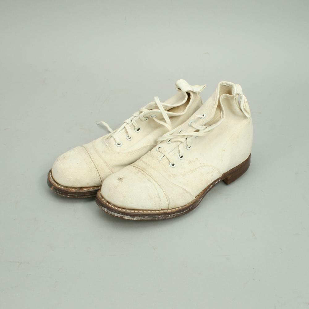 vintage cricket shoes