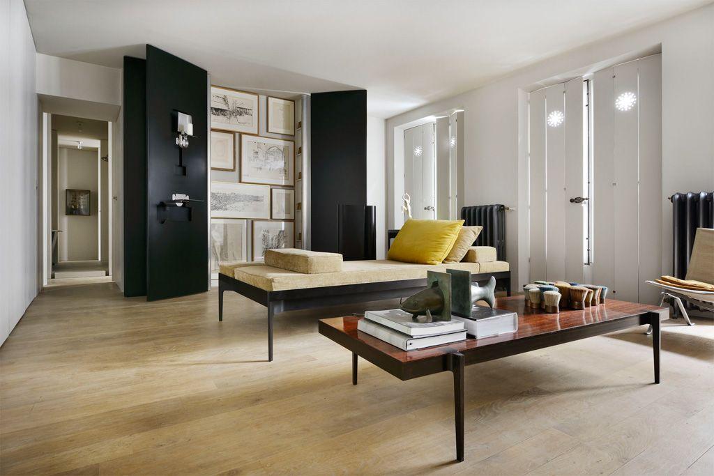 Pierre Saalburg Rue Drouot Paris Living Room Daybed Artwork Appartement Temoin Meuble De Style Mobilier De Salon