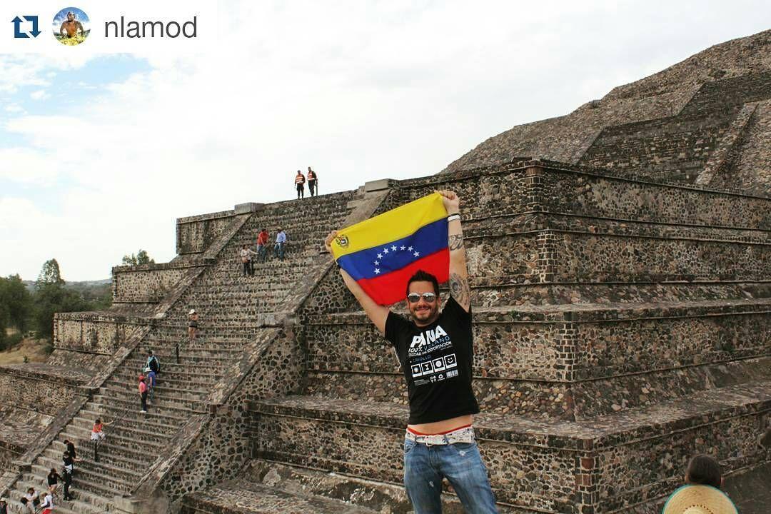 #Repost @nlamod Pirámide de la Luna #VenezolanosEnElExterior #VenezolanosEnMexico #Pana