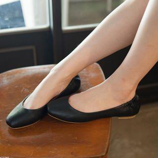 Nikiyo Croc-Grain Flats PRICE  $38.00         #flats #fashion #shoe