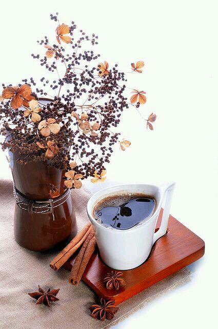 كلما صادفت الموت في محطة انتظار بحقائب مسافر أو في كأس قهوة بلون التراب أو على قارعة الطريق في هندام شحاذ تأكد لي أن الحياة Coffee Cafe Coffee Cups Coffee