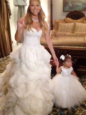 Mariah Carey Nick Cannon Renew Vows At Disneyland Popular Wedding Dresses Wedding Dress Trends Bohemian Style Gown