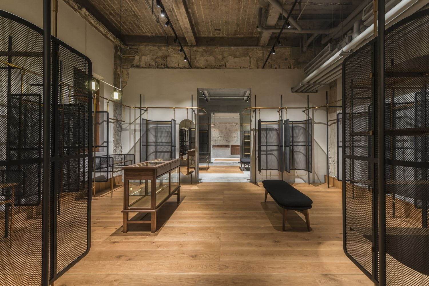 Comme Moi Flagship Store - Picture gallery