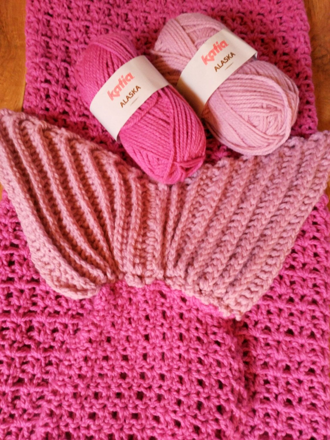 Mermaid blanket made of crocheted pink colors for adults or children ...