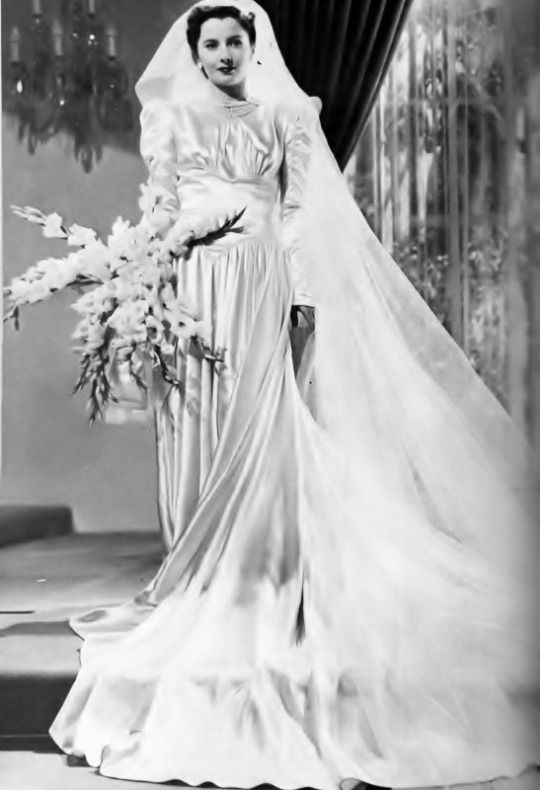 Barbara Stanwyck wedding | Famous Weddings | Pinterest | Brautkleid ...