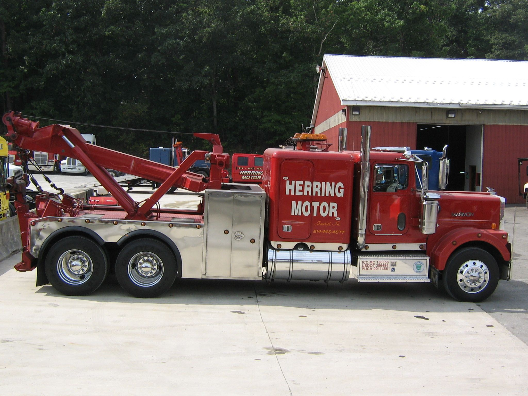 Marmon heavy wrecker