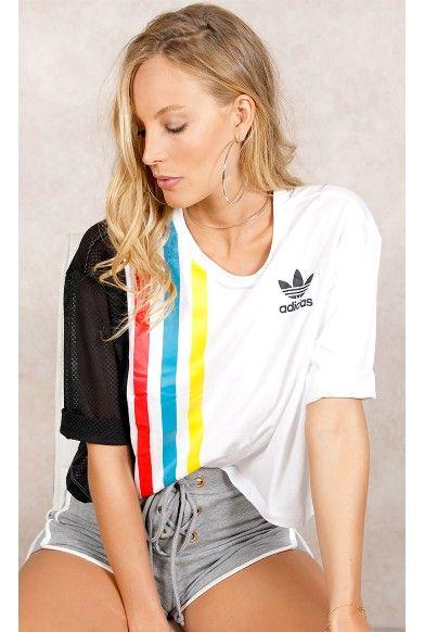 b9c1a4980bc Camiseta Adidas Blocked Fashion Branca Fashion Closet - fashioncloset Moda  Atual