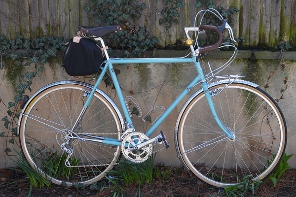 Lovely Bicycle Refurbishing Vintage Bicycles Different Perspectives Vintage Bicycles Blue Bicycles Bicycle