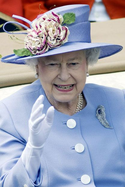 I love this hat on The Queen.  Ascot, 2010.