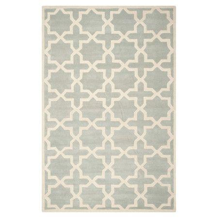 Dieser Teppich bringt edles Fliesen-Design und dezente Farben in