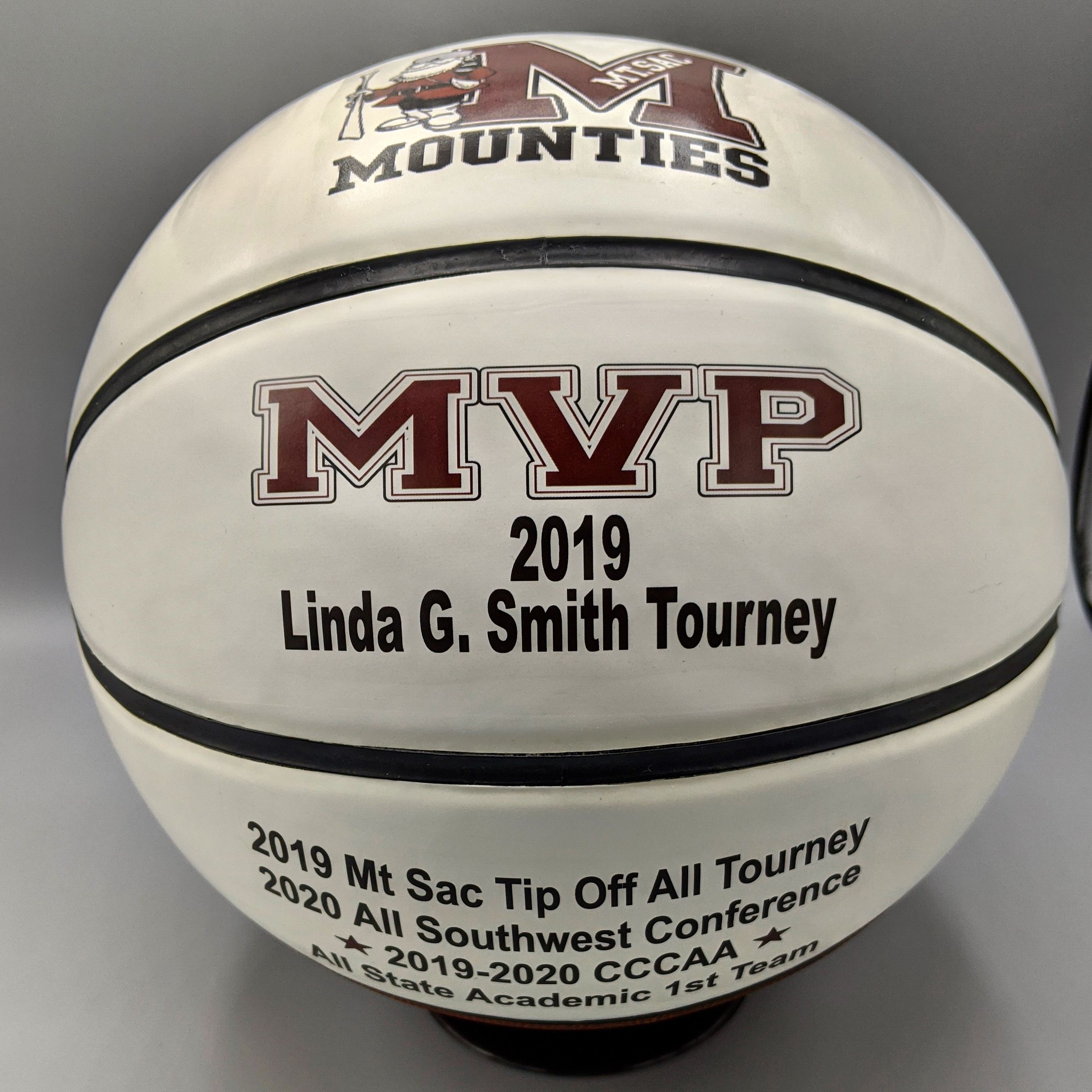 Basketball Gift In 2020 Basketball Gifts Sports Gifts Personalized Sports