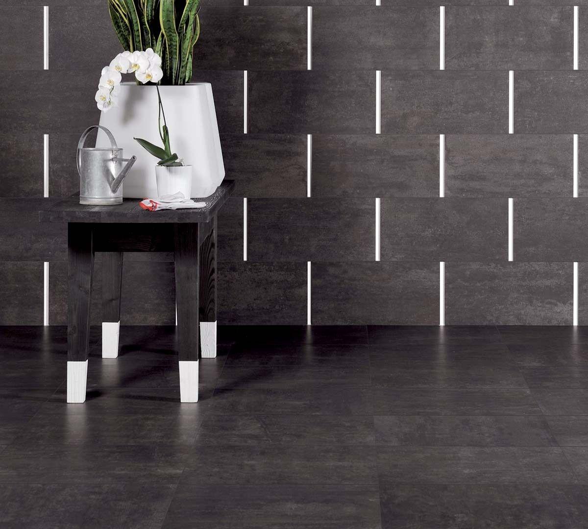 Floor LAVAGNA Natural 12×24 Rect Wall LAVAGNA Natural 12×24 Rect – ALLUMINIO LUCIDO Bacchetta 0.5×24 Scene