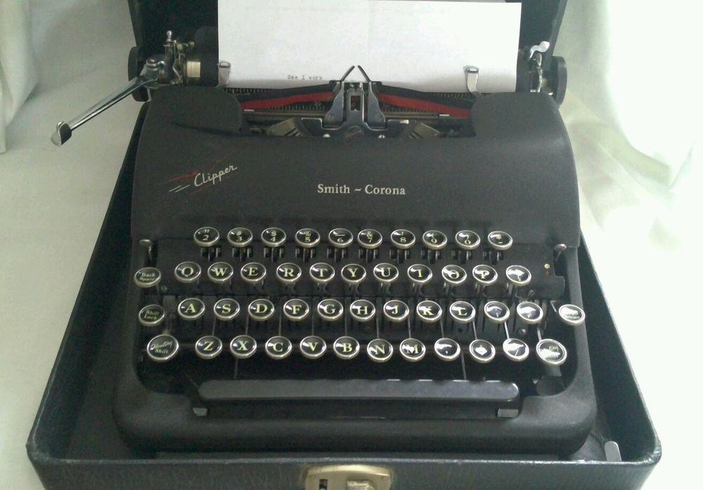 Vintage smith corona typewriters — photo 10
