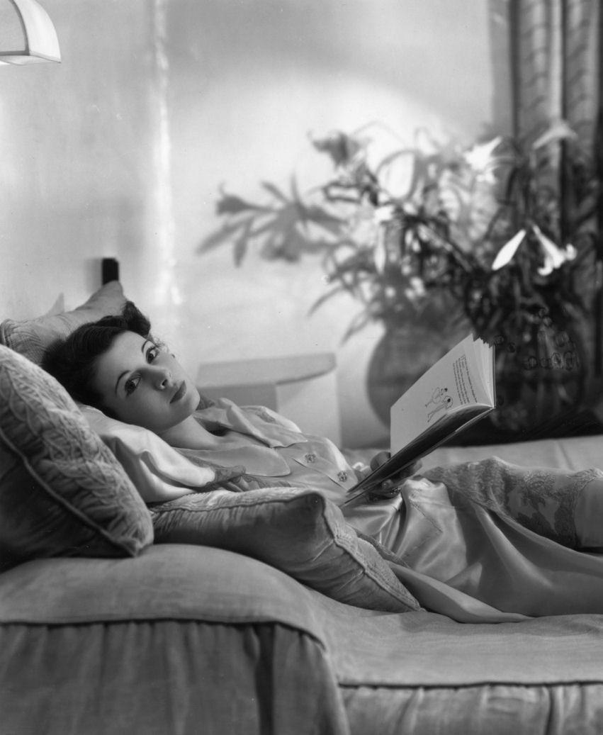 "maudelynn:  ""Vivien Leigh reading in bed.  ""  Leigh reads."