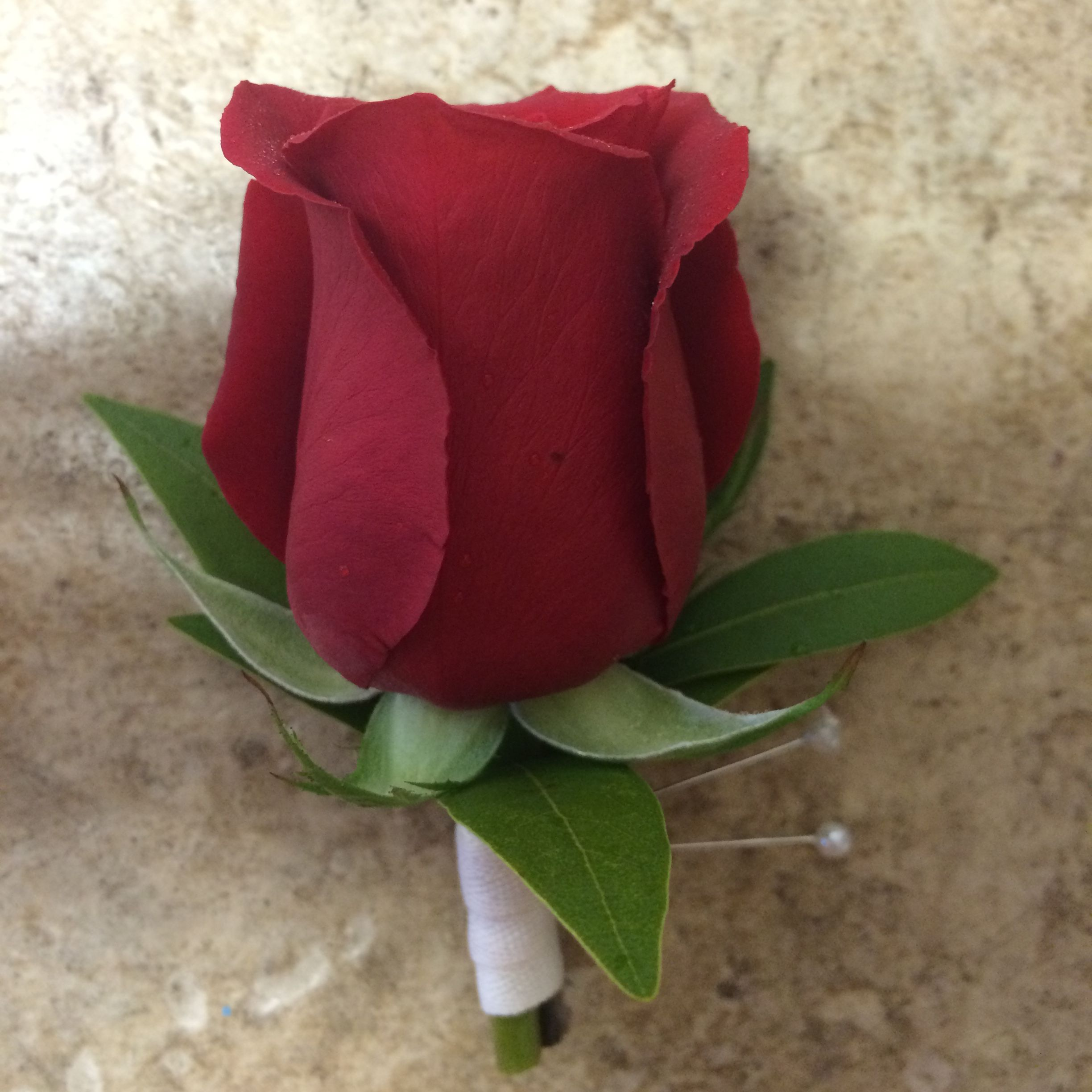 red rose #boutonniere for Dad