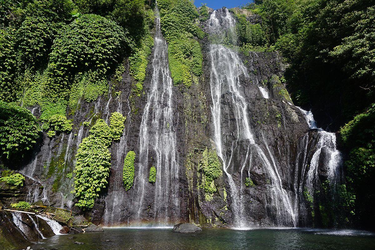 Di Sini Pengunjung Dimanjakan Dengan Panorama Alam Yang Indah Air Terjun Dengan Pemandangan Alam Yang Masih Asri Air Air Terjun Pemandangan Taman Nasional
