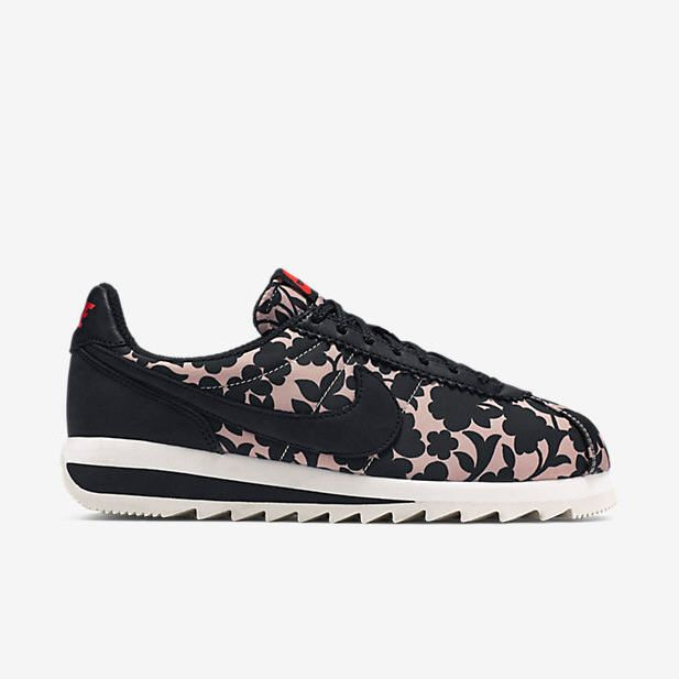 sneakers for cheap 5aafa 8a029 Nike Liberty Classic Cortez Epic pas cher prix Baskets Femme Nike 130,00 €
