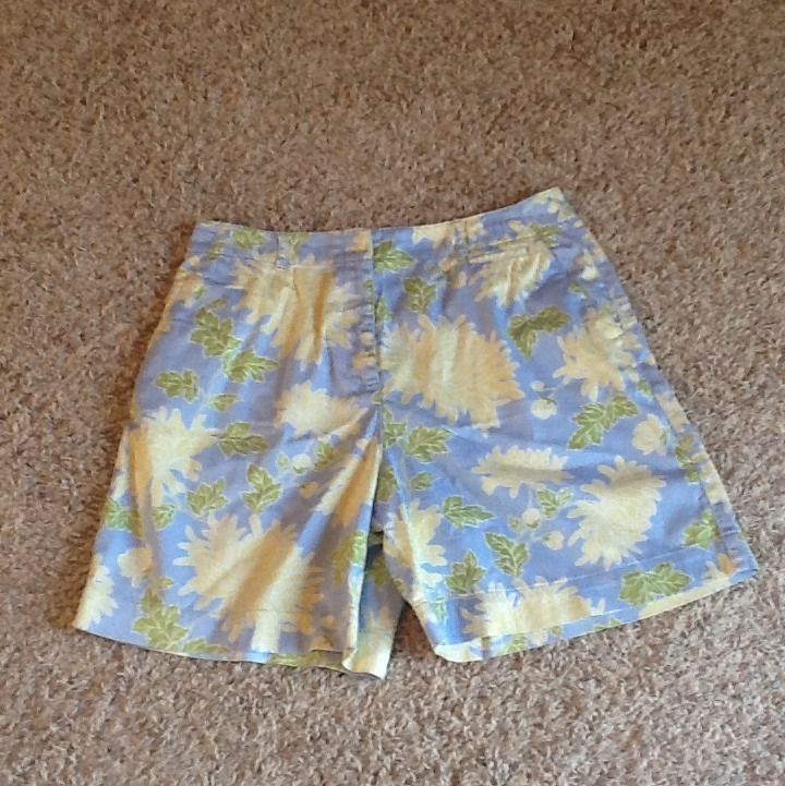 """Talbots Stretch Floral Flat Front Shorts Size 10 W31"""" L17.5 in Clothing, Shoes & Accessories, Women's Clothing, Shorts   eBay"""