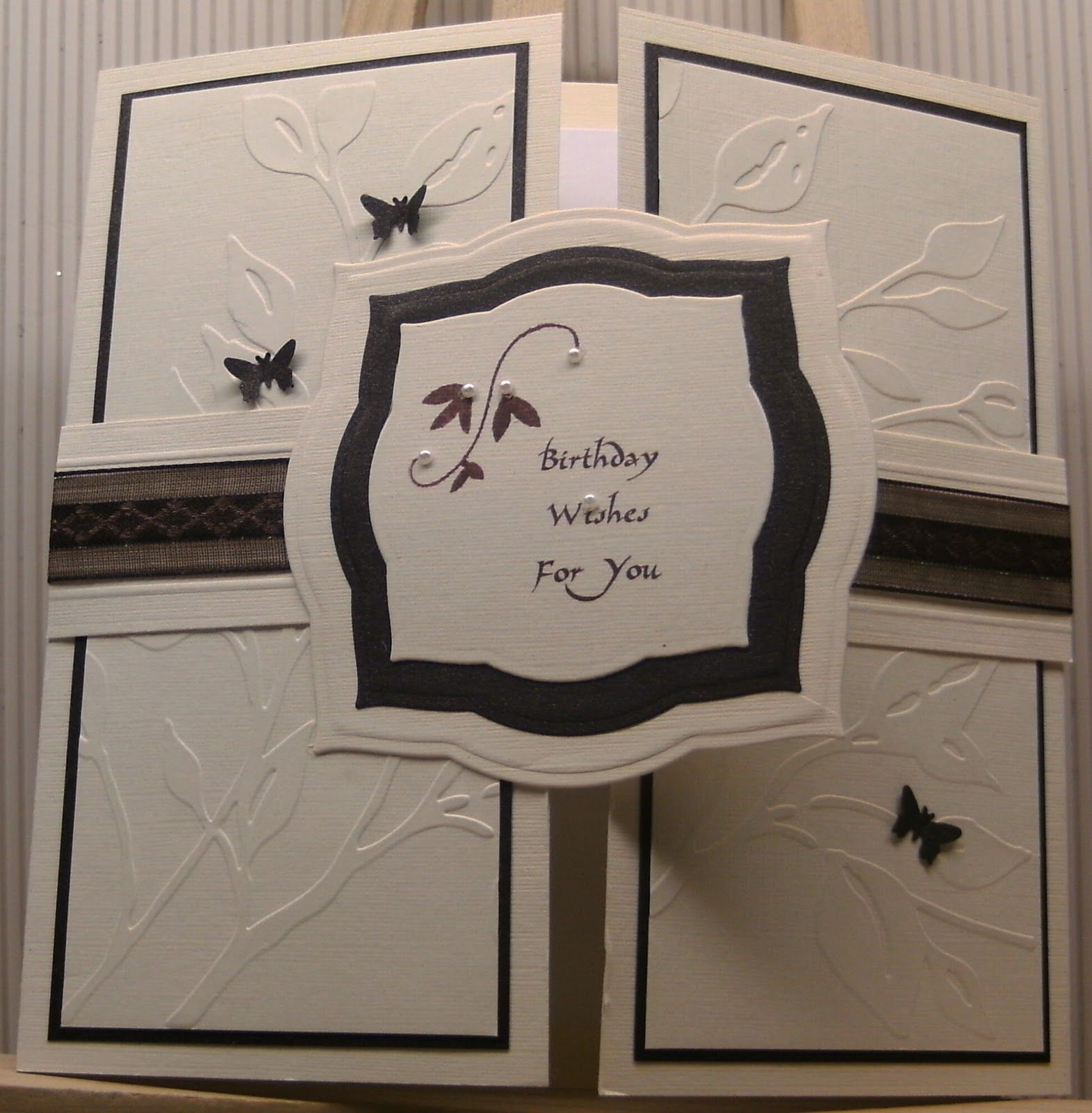 MISSY G DESIGNS: Card Making Class - Week5 - Joyfold and Gatefold cards......... Inspiration for the bday invite... do peeps on inside left and right flaps. Do embossing of webs on outer two panels