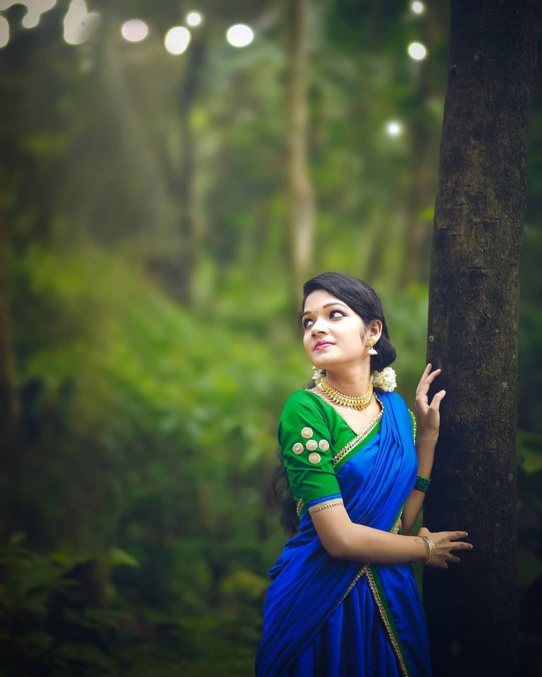 Image May Contain One Or More People People Standing And Outdoor Indian Photoshoot Girl Photo Poses Girl Photography