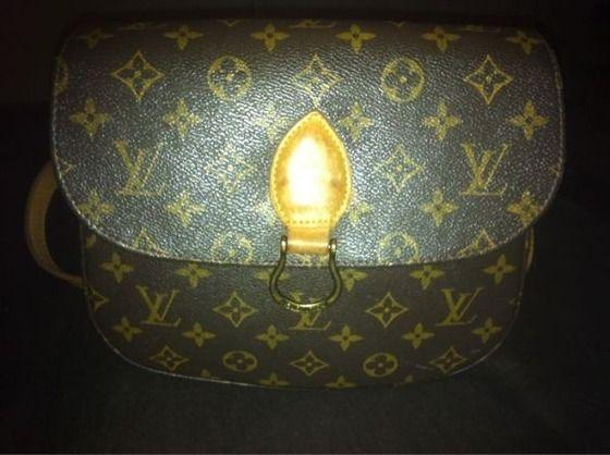 Authentic Louis Vuitton Purse Messenger Bag Sling $200.00