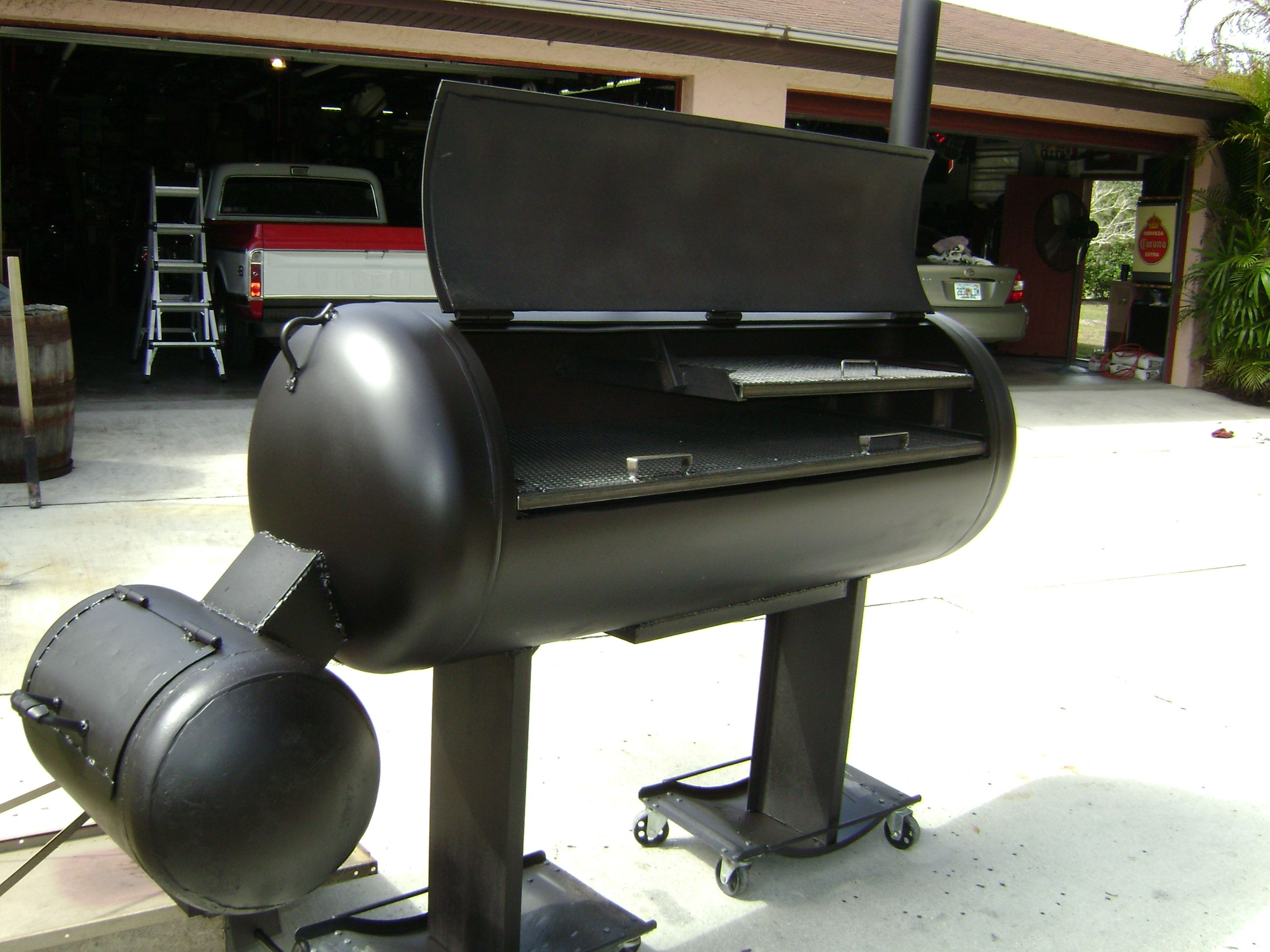 how to put a propane tank on grill