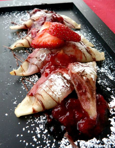 Vanilla & Spice: Baked Banana, Chocolate & Strawberry Wontons