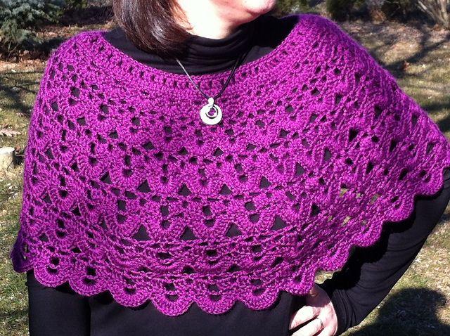 Pretty Crochet Wrap/Ponch: free pattern | Crochet LOVE! | Pinterest ...
