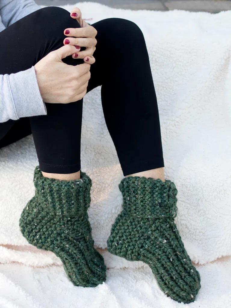 Photo of Flat Knit Slippers Knitting Pattern – Gina Michele