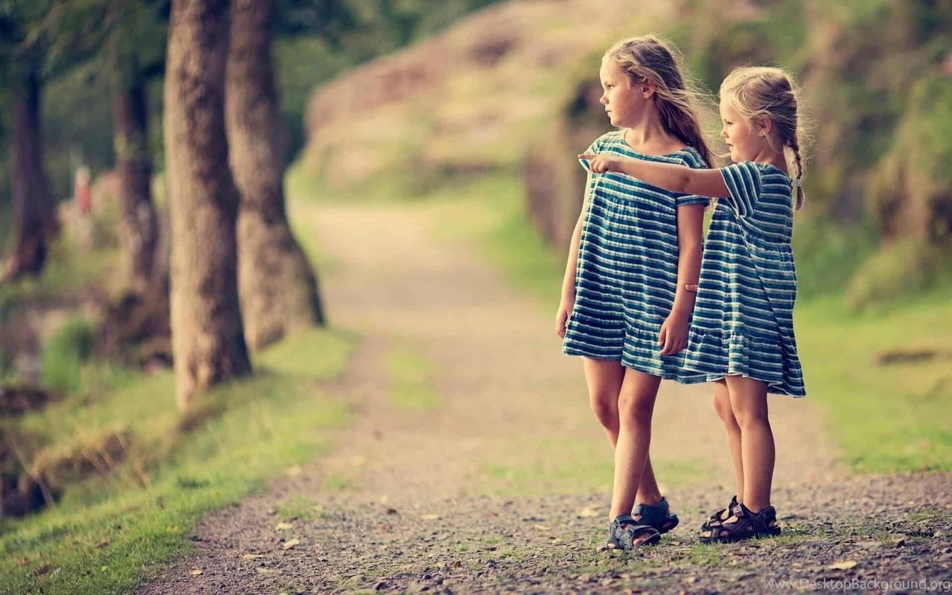 دعاء لصديقتي الحزينة المهمومة ادعية لصديقتى ادعية للاصدقاء الدعاء للاصدقاء الصداقة Little Girl Wallpaper Girl Cute Little Girls