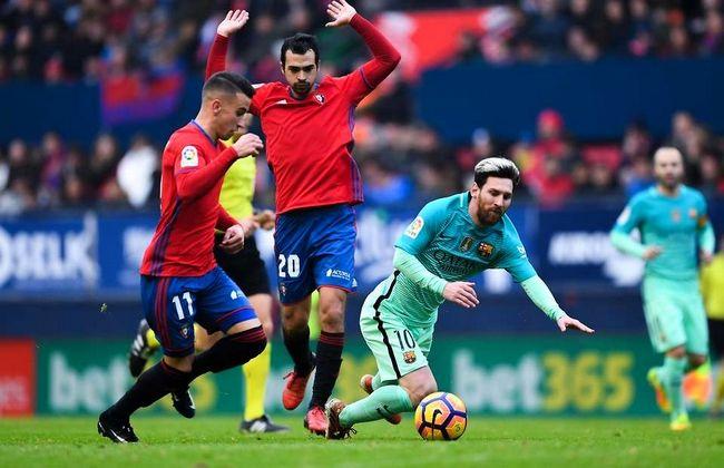 Luar Biasa! Diving Kelas Dunia Lionel Messi di Laga vs Osasuna