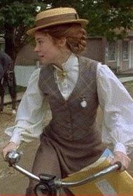 """I adore this Anne outfit, the vintage teacher ensemble.  Bramblewood Fashion Blog: - A Study of My Favorite """"Anne"""" Costumes"""