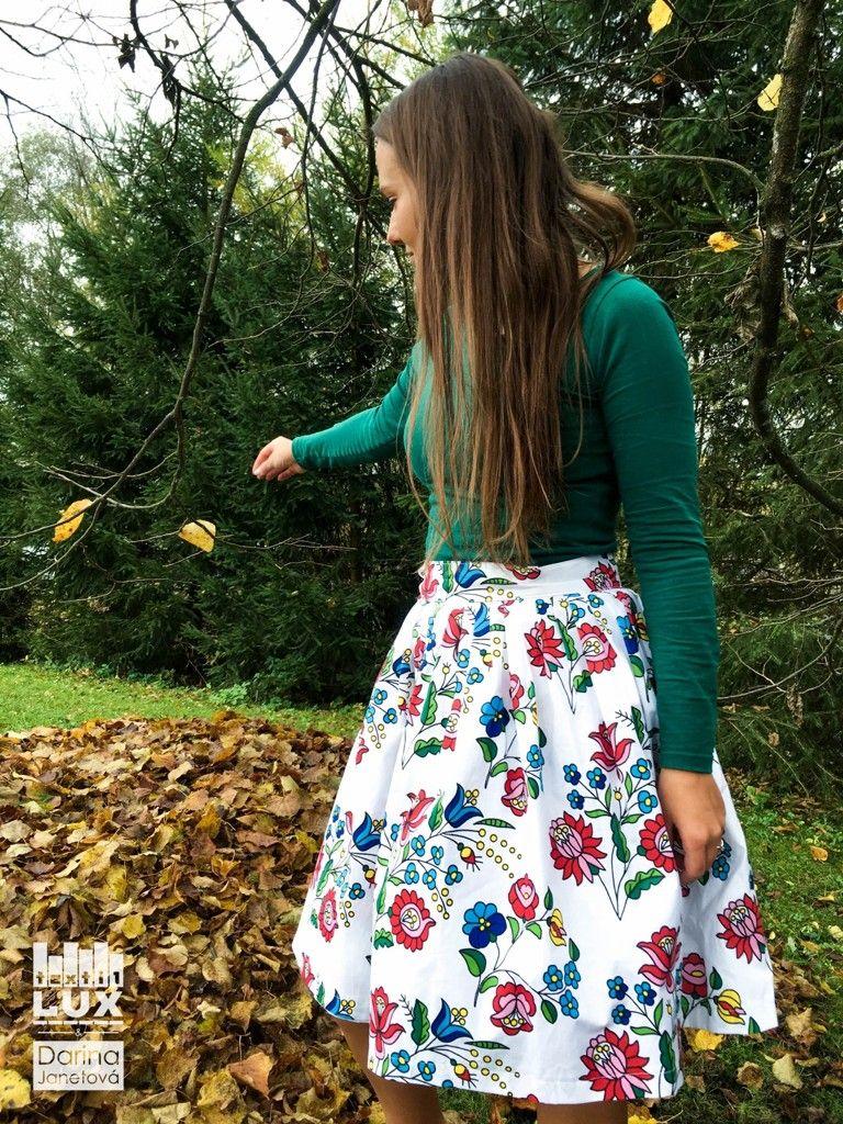 Naše folklórne látky spestria šatník nejednej dive  -) Vhodné sú nielen na  sukne e3ae682399b