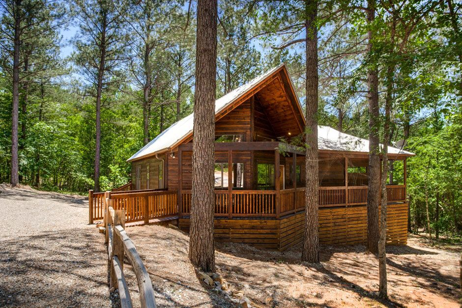 Bungalow Broken Bow 2 Bedroom Cabin Up To 6 Guests Pet Friendly Vacation Cabin Rentals Cabin Broken Bow
