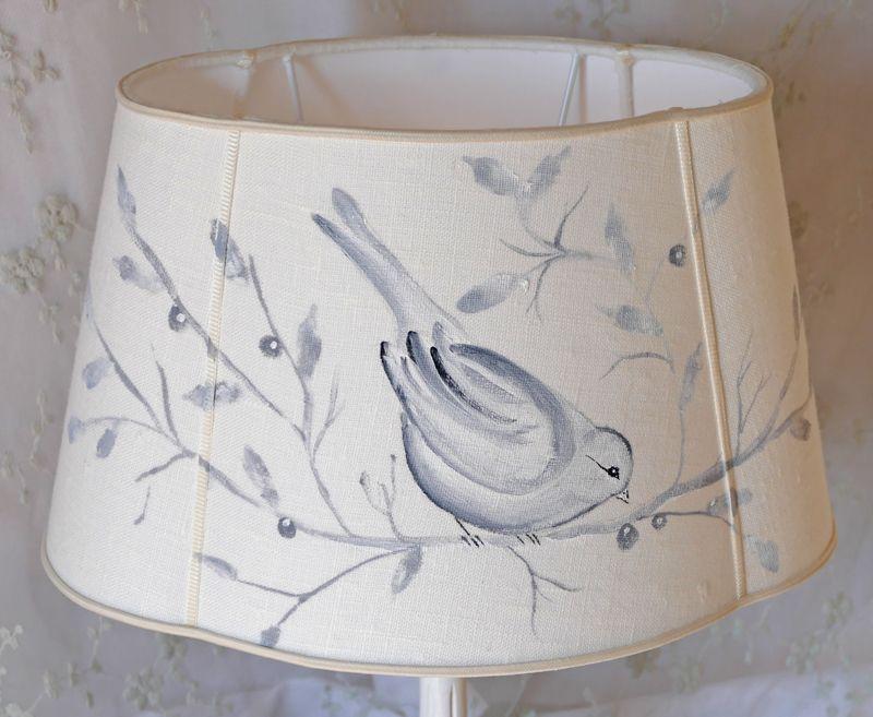 Abat jour ovale trilobe shabby chic en lin ivoire peint for Linge shabby chic