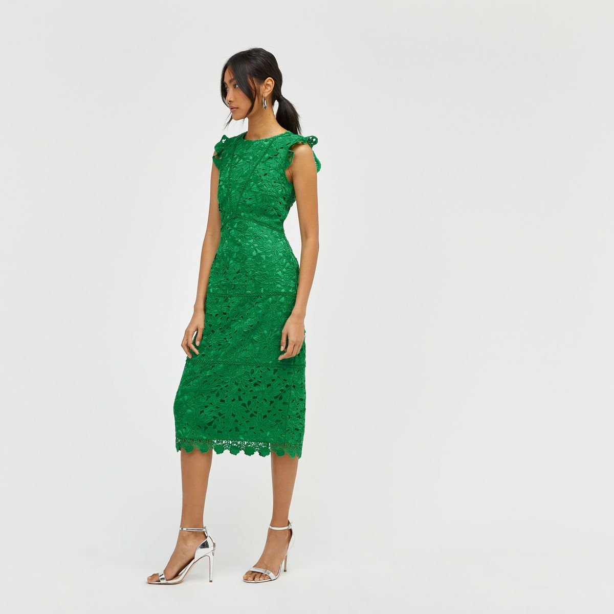 Warehouse tiered lace dress yellow  Warehouse SCALLOP HEM LACE MIDI DRESS Bright Green   Bridesmaid